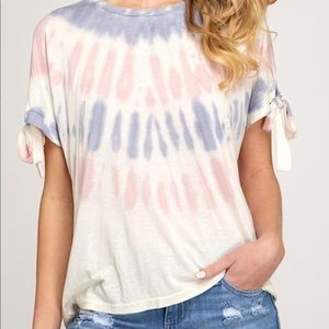 Short sleeve tie dyed top with tie sleeves